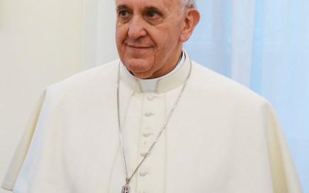 «Pope Francis in March 2013» par presidencia.gov.ar. Sous licence CC BY-SA 2.0 via Wikimedia Commons - http://commons.wikimedia.org/wiki/File:Pope_Francis_in_March_2013.jpg#/media/File:Pope_Francis_in_March_2013.jpg